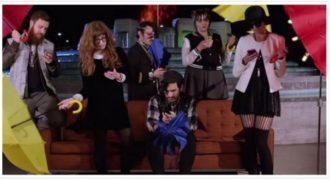 Πώς θα ήταν η πολυαγαπημένη σειρά τα «Φιλαράκια» εάν γυρίζονταν το 2015; (βίντεο)
