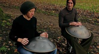 Όμορφη μουσική από ένα σχετικά άγνωστο όργανο το Hang