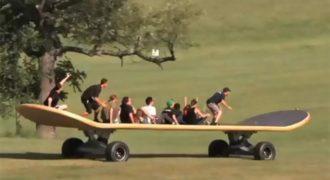 Το Μεγαλύτερο Skateboard στο Κόσμο!!