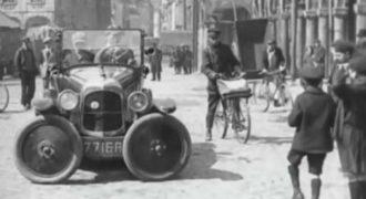 Πως πάρκαραν τα αυτοκίνητα το 1927; Μια πολύ τρελή εφεύρεση!