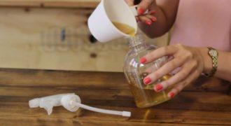 Βάζει σε ένα μπουκάλι τσάι προσθέτει αλόη και μέσα σε λίγα λεπτά έχει κάτι που θα λατρέψετε το καλοκαίρι…