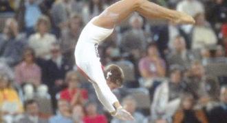 Βίντεο: Εξωπραγματική αθλήτρια από το 1972 – Η φιγούρα που κάνει έχει απαγορευτεί!