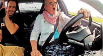 Απίστευτη μαμά! Δείτε πως οδηγήσει ένα Mitsubishi Evo 900 ίππων