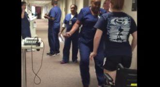 Δείτε πως αντέδρασε μια νοσοκόμα όταν παράλυτη ασθενής περπάτησε μπροστά της [βίντεο]