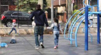 Kοινωνικό πείραμα: Πόσο εύκολα μπορεί κάποιος να απαγάγει ένα μικρό παιδί με την βοήθεια ενός κουταβιού;