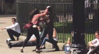 Πώς αντιδρούν περαστικοί όταν βλέπουν μια γυναίκα να κακοποιεί έναν άνδρα