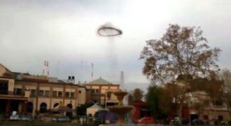 Μυστηριώδεις μαύρος δακτύλιος εμφανίστηκε πάνω στον ουρανό!!