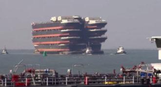 Δείτε πως μεταφέρονται 13 τεράστια πλοία που δεν πλέουν στη θάλασσα! Ένα βίντεο που προκαλεί δέος…