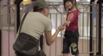 Τα παιδιά και τα μάτια σας! Σοκαριστικό κοινωνικό πείραμα (Βίντεο)
