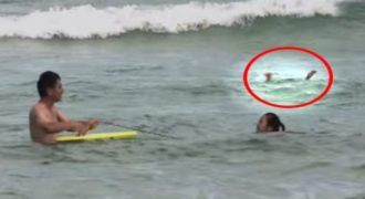 Ένα κορίτσι πνιγόταν και πάλευε για τη ζωή του, όταν συνέβη το αναπάντεχο!