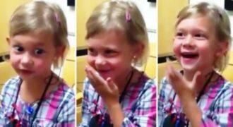 Κοριτσάκι ακούει την φωνή της για πρώτη φορά! Η αντίδρασή της; Αξέχαστη…