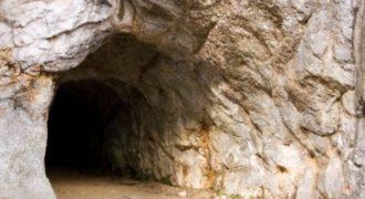 Η μεγαλύτερη ανακάλυψη στην Υφήλιο βρίσκεται στην υπόγεια Αθήνα.Τι κρύβεται εκεί και γιατί ΦΟΒΟΥΝΤΑΙ να το αποκαλύψουν στον κόσμο; [video]