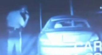 Απίστευτο: Αστυνομικός απανθρακώνεται από κάτι…πραγματικά ανεξήγητο! (Βίντεο)