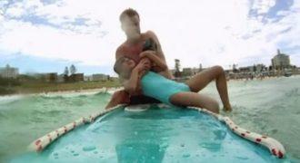 Αυτός ο γενναίος ναυαγοσώστης ξέχασε ότι η κάμερα «έγραφε» όταν έκανε ΑΥΤΟ!