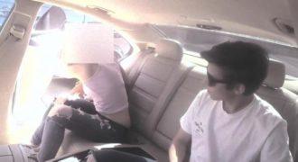 Αυτός ο νεαρός προσφέρει λεφτά σε γυναίκες για να γδυθούν μέσα στο αυτοκίνητο του.