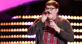 Ανέβηκε στη σκηνή του The Voice για να τραγουδήσει το Chandelier της Sia. Οι κριτές δεν περίμεναν αυτό που άκουσαν!