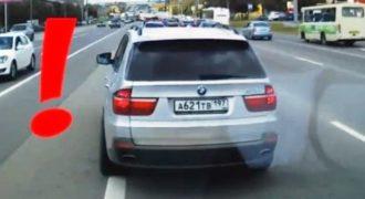 Το είδαμε και αυτό!!! Οδηγός BMW «έκλεινε» επίτηδες ασθενοφόρο! Video