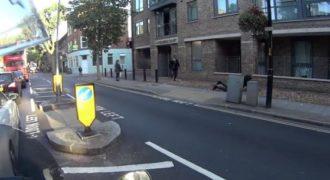 Ένας πεζός σταματά έναν κλέφτη στους δρόμους του Λονδίνου (Βίντεο)