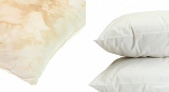 Έχεις κιτρινισμένα μαξιλάρια; Δες ένα πανέξυπνο κόλπο για να γίνουν κάτασπρα και καθαρά σαν καινούρια!