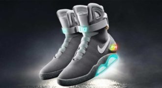 H Nike βγάζει τα παπούτσια που δένονται μόνα τους από την ταινία «Επιστροφή στο Μέλλον»!