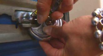 Στην 50η επέτειο τους, τα παιδιά τους τους χάρισαν ένα ζευγάρι κλειδιά. Μόλις δείτε για που ήταν, θα «μείνετε»!