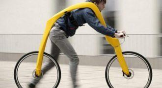 Βίντεο: Δείτε το «ποδήλατο» χωρίς πετάλια και σέλα (και πολλή… πλάκα)