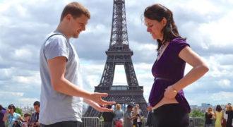 Το ζευγάρι γυρίζει το χρονικό 9 μηνών μέχρι την γέννηση των διδύμων τους