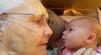 2 ημερών μωράκi συναντιέται για πρώτη φορά με την 92χρονη προγιαγιά του