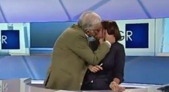 Δεν έχει ξαναγίνει: Άρπαξε και φίλησε την παρουσιάστρια… στον αέρα! (Βίντεο)