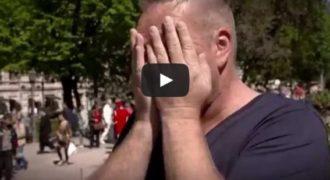 Οι αντιδράσεις τους είναι πραγματικά συγκλονιστικές… Δυστυχώς το βίντεο δεν είναι καν στα Αγγλικά, αλλά οι αντιδράσεις τους είναι προφανείς.