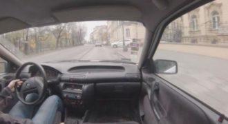 Αυτός ο άνθρωπος είναι επαγγελματίας στην στάθμευση. (Βίντεο)