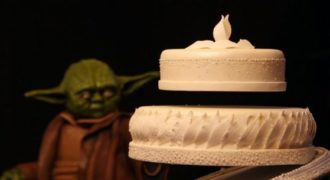 Δεν θα πιστεύετε στα μάτια σας μόλις δείτε αυτή την μαγική γαμήλια τούρτα. (Βίντεο)