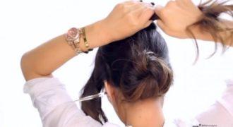 Ψεκάζει τα μαλλιά της με λακ και τα τυλίγει 3 φορές. Το αποτέλεσμα; Θα σας ενθουσιάσει! Ψεκάζει τα μαλλιά της με λακ και τα τυλίγει 3 φορές. Το αποτέλεσμα; Θα σας ενθουσιάσει!