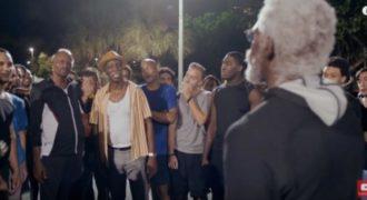 Παίχτες του NBA μεταμφιεσμένοι σε παππούδες δίνουν απίστευτη παράσταση σε υπαίθριο γήπεδο (Video)