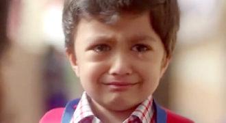 Αφήστε τον γιο σας να κλάψει: Ένα βίντεο που πρέπει να δείτε αν έχετε αγόρια!