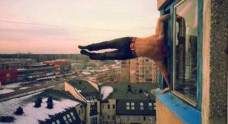 Η επικίνδυνη γυμναστική ενός Ρώσου (Βίντεο)