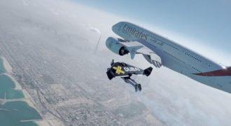 Απίστευτο βίντεο: Πετάνε δίπλα σε ένα Airbus A380! (Video)