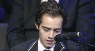 Ράγισε καρδιές η ομιλία ενός 18χρονου αριστούχου με ανίατη ασθένεια