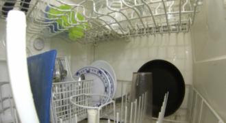 Έβαλε μια κάμερα μέσα σε ένα πλυντήριο πιάτων. Αυτό που κατέγραψε θα σας αφήσει άφωνους!