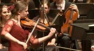 Ολλανδή βιολονίστρια ερμηνεύει Τσιτσάνη σε συναυλία κλασικής μουσικής!