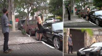 Οι ρόλοι αντιστράφηκαν και μια γυναίκα με μια Ferrari προσπαθεί να προσελκύσει άνδρες…