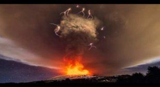 Ένα Σπάνιο Φαινόμενο πάνω από την Αίτνα που θα σας αφήσει έκπληκτους »Ηφαιστειακή καταιγίδα»! Δείτε το βίντεο!