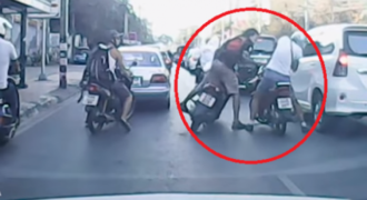 Απίστευτα ΚΛΩΤΣΟΜΠΟΥΝΙΔΙΑ μέσα στη μέση του δρόμου-Ποτ πουρί από τα καλύτερα βίντεο με ΑΤΕΛΕΙΩΤΟ ΞΥΛΟ!