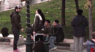 Πείραμα στην Ελλάδα: Bullying σε άστεγο. Εσύ πως θα αντιδρούσες;(Βίντεο)