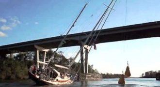 Πώς περνάει ένα ιστιοφόρο ύψους 25 μέτρων κάτω από μια πολύ χαμηλότερη γέφυρα;