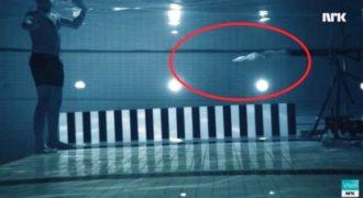 Τι θα συμβεί εάν σας… πυροβολήσουν από κοντινή απόσταση μέσα στο νερό; (Video)