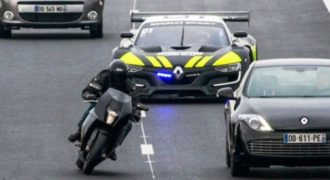 Το πιο γρήγορο… «περιπολικό» καταδιώκει μοτοσικλέτα!