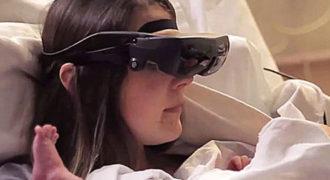 Τυφλή μαμά βλέπει το μωρό της για πρώτη φορά: Ένα συγκλονιστικό βίντεο!