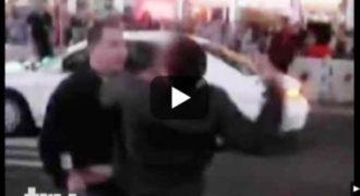 ΒΙΝΤΕΟ: 3 ΨΕΥΤΟΜΑΓΚΕΣ χτύπησαν την γυναίκα του αλλά ο τύπος ΤΡΕΛΑΘΗΚΕ και … ΔΕΙΤΕ ΤΙ ΤΟΥΣ ΕΚΑΝΕ!!!