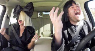 H Sia στο αυτοκίνητο του παρουσιαστή Τζέιμς Κορντέν τραγουδάει ακόμα πιο τέλεια!